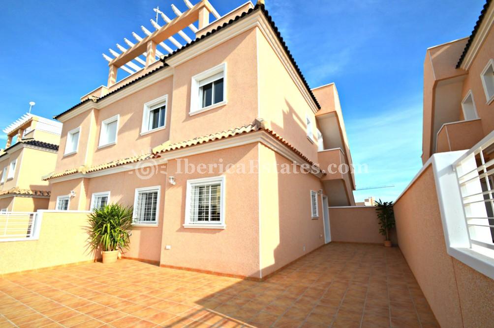 Jacuzzi Torrevieja.Real Estate Costa Blanca Torrevieja Spain Iberica Estates